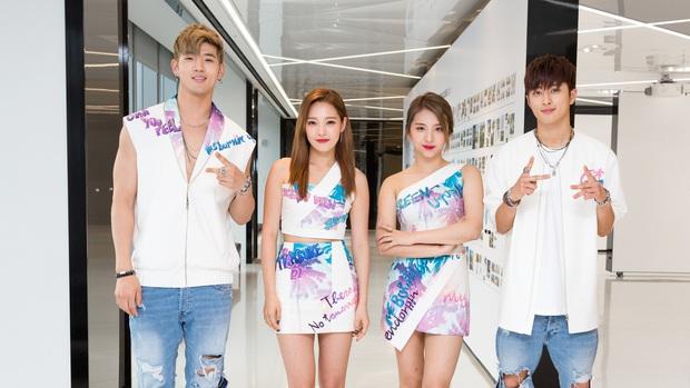 Khoảnh khắc chênh chiều cao thòng tim giữa idol nam và nữ: EXO - Red Velvet như phim, Jin (BTS) toàn dìm đồng nghiệp - Ảnh 10.