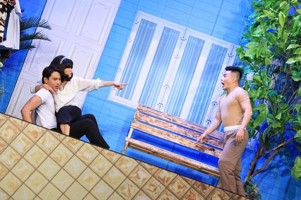 Puka, Khả Như bị ép ăn cả trái chanh trên sân khấu Tết - Ảnh 7.
