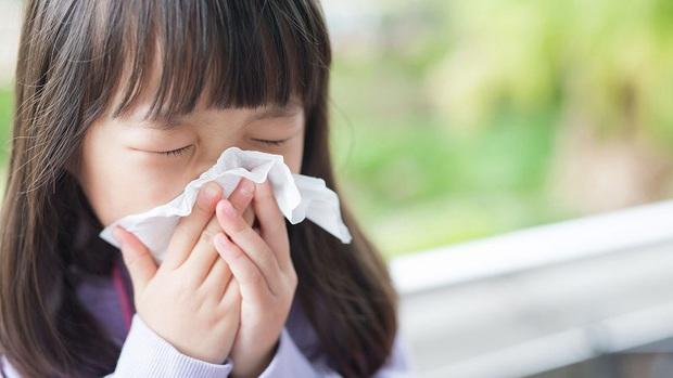 Cách phòng ngừa và bảo vệ trẻ nhỏ trước nguy cơ lây nhiễm nhiễm virus corona - Ảnh 1.