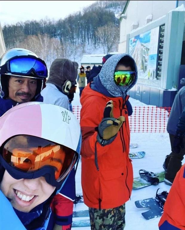Rầm rộ bức ảnh selfie cực hiếm từ năm 2014 bây giờ mới được tiết lộ của cặp đôi thị phi Tạ Đình Phong - Vương Phi - Ảnh 4.