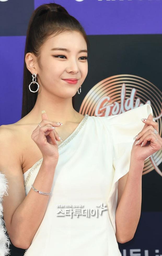 Siêu thảm đỏ Grammy Hàn: Momo lấn át mỹ nhân đẹp nhất thế giới, ác nữ nổi bần bật bên ITZY, MAMAMOO và quân đoàn idol - Ảnh 23.
