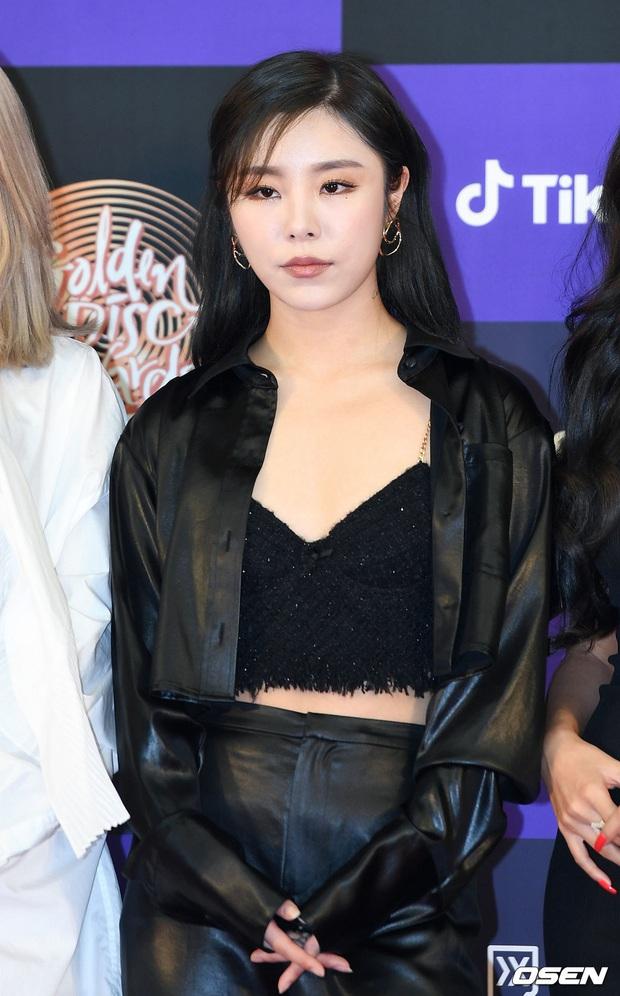 Siêu thảm đỏ Grammy Hàn: Momo lấn át mỹ nhân đẹp nhất thế giới, ác nữ nổi bần bật bên ITZY, MAMAMOO và quân đoàn idol - Ảnh 16.