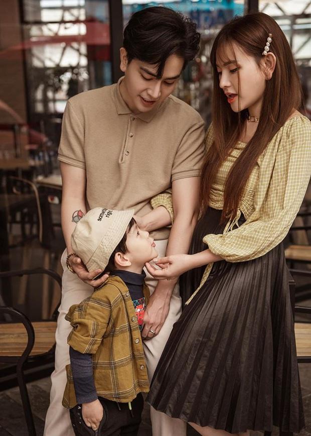 Thu Thủy hạnh phúc khoe ảnh đón tuổi mới bên gia đình, nhưng hành động chồng trẻ dành cho con trai mới là tâm điểm! - Ảnh 5.