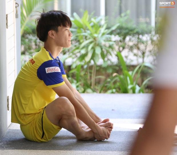 Thầy Park vã mồ hôi, thở không ra hơi khi tập chạy cùng cầu thủ U23 Việt Nam - Ảnh 7.