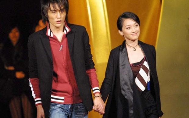 Showbiz Hoa ngữ 20 năm trước: Hàng loạt tượng đài Cbiz ra đời, cặp Vương Phi - Tạ Đình Phong sở hữu bức ảnh chấn động - Ảnh 16.