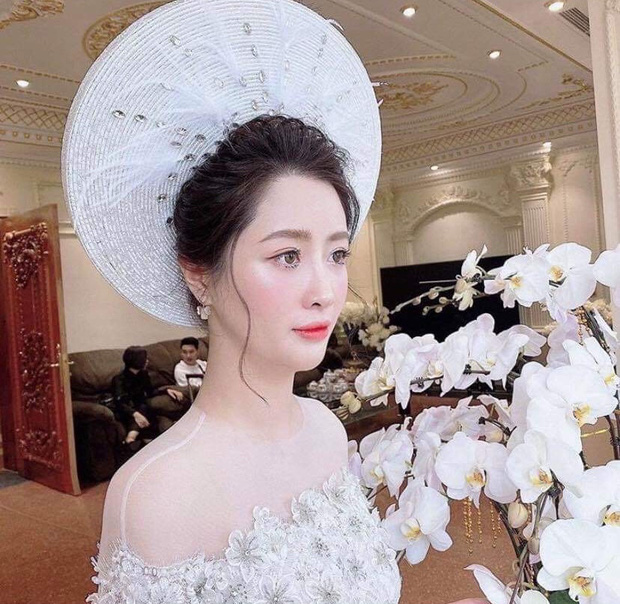 Thiếu gia Hà Quang Dũng bất ngờ khoe ảnh lấy vợ, lộ nhan sắc cô dâu xinh xắn - Ảnh 2.