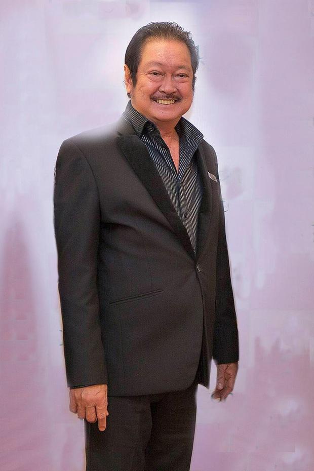 Gia tộc làm nghệ thuật của cố NS Chánh Tín có cả đạo diễn triệu đô Charlie và soái ca một tời Johnny Trí Nguyễn - Ảnh 1.