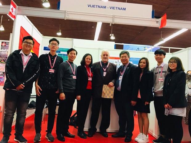 Học sinh Việt Nam giành cúp đặc biệt cho đề tài xuất sắc nhất về tính ứng dụng và Huy chương sáng chế Châu Âu tại Cuộc thi Phát minh sáng chế quốc tế INOVA năm 2019 - Ảnh 2.