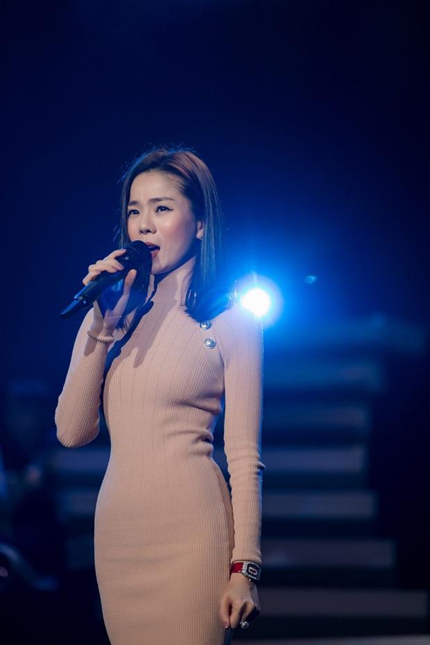 Trước giờ G Q Show 2 tại Hà Nội, Lệ Quyên hé lộ công nghệ Blacktrack (chiếu 3D Mapping trên vật thể động) sẽ lần đầu được trình diễn tại Việt Nam - Ảnh 1.