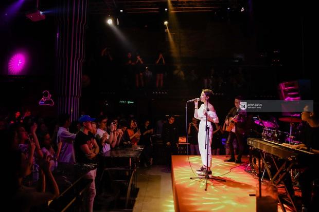 WeYoung: /saturation/ tại TP.HCM: Một đêm nhạc indie trọn vẹn với dàn nghệ sĩ indie chất chơi của đất Sài thành - Ảnh 9.