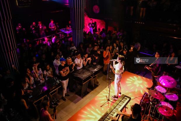 WeYoung: /saturation/ tại TP.HCM: Một đêm nhạc indie trọn vẹn với dàn nghệ sĩ indie chất chơi của đất Sài thành - Ảnh 10.