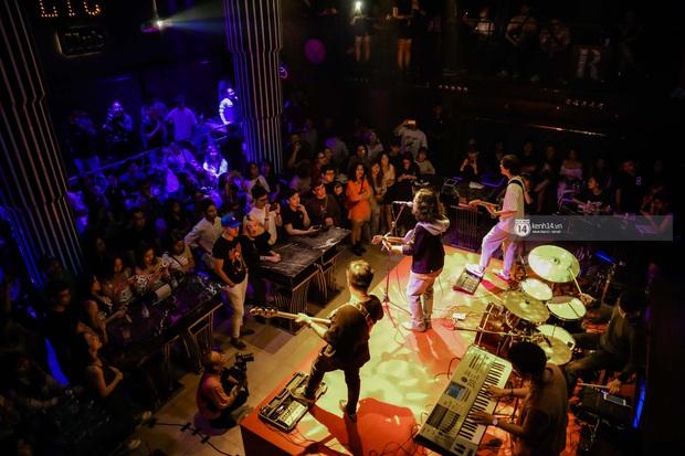 WeYoung: /saturation/ tại TP.HCM: Một đêm nhạc indie trọn vẹn với dàn nghệ sĩ indie chất chơi của đất Sài thành - Ảnh 12.