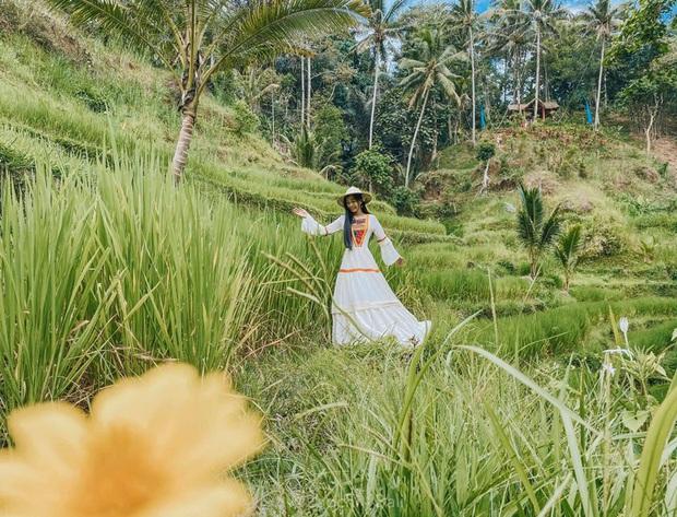 """Hành trình 7 ngày càn quét hết 23 điểm check-in hot nhất Bali của gái xinh 9x, đầu tư váy áo cũng """"không phải dạng vừa đâu""""! - Ảnh 14."""