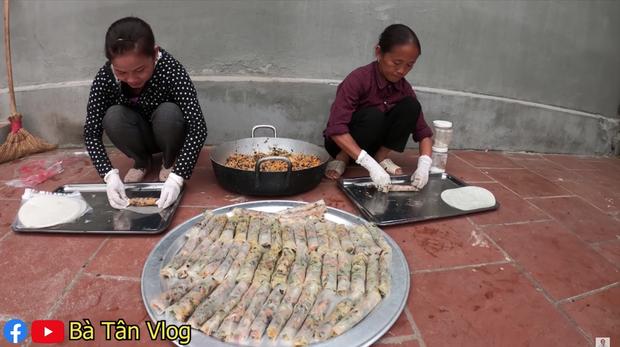 Xem bà Tân Vlog làm mâm bánh đa nem siêu to khổng lồ, ai cũng chỉ mong nhanh đến Tết - Ảnh 4.