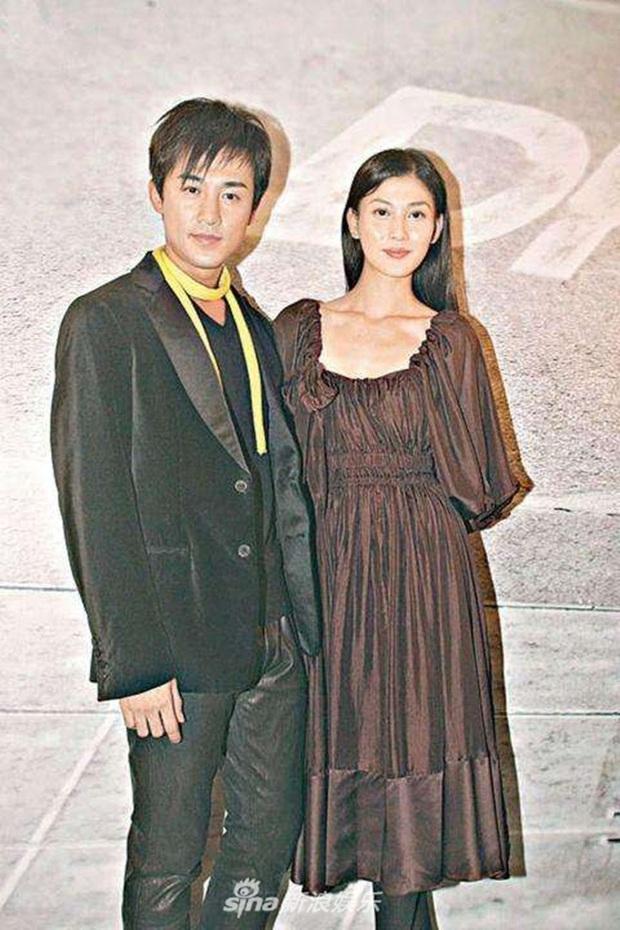Thiếu gia TVB Lâm Phong: Tình sử toàn phốt bị tung ảnh nóng, đào mỏ và cái kết viên mãn bất ngờ nhờ lời cha mẹ - Ảnh 2.