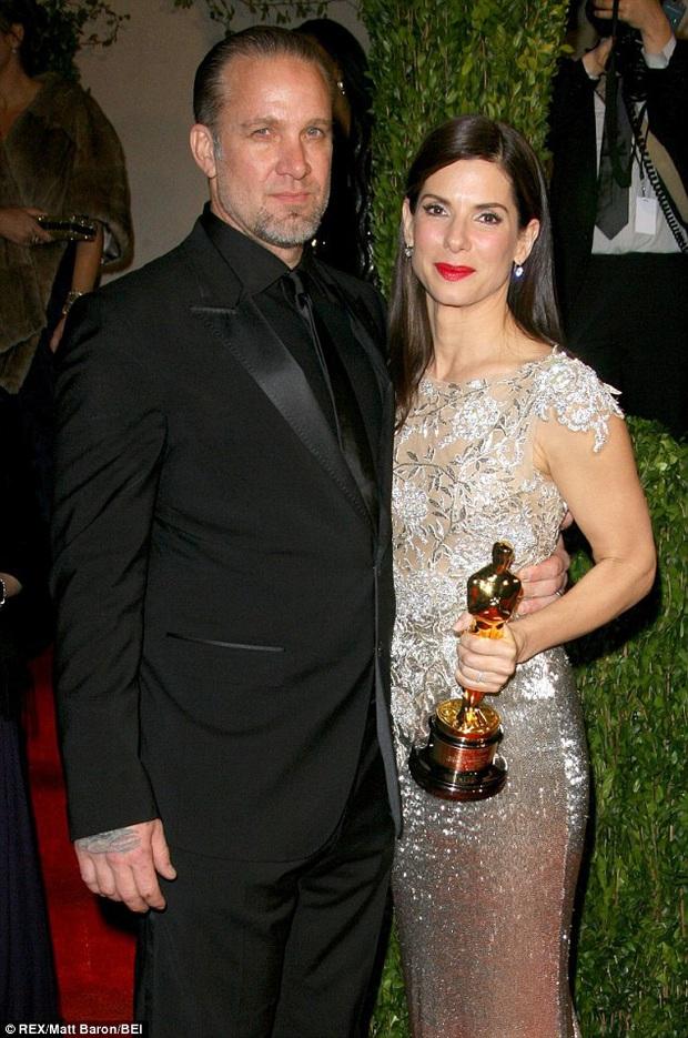 Thập kỉ chấn động của Hollywood: 3 cặp đôi vàng chia li, #MeToo vạch trần nạn quấy rối tình dục - Ảnh 2.