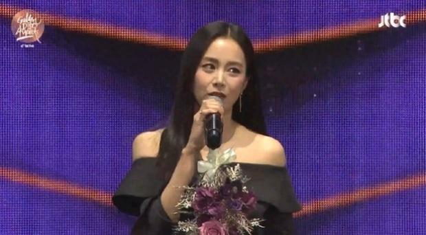 Không phải BTS - TWICE, Kim Tae Hee mới là nhân vật gây bão Grammy Hàn: Hình hậu trường mà ngút ngàn thế này! - Ảnh 4.