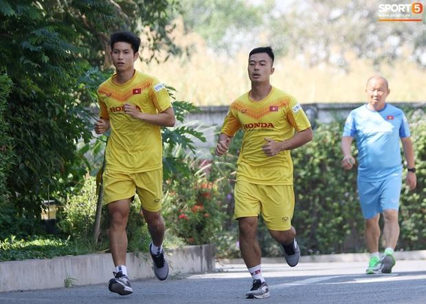 HLV Park Hang-seo lo sợ cả nước hồ bơi gây hại cho cầu thủ trước thềm VCK U23 châu Á 2020 - Ảnh 4.
