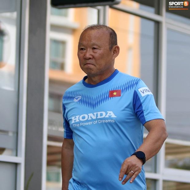 HLV Park Hang-seo lo sợ cả nước hồ bơi gây hại cho cầu thủ trước thềm VCK U23 châu Á 2020 - Ảnh 6.