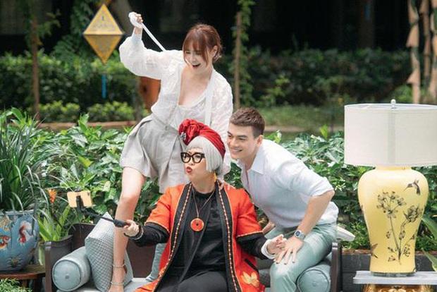 Muôn kiểu bà nội chồng trên màn ảnh Việt, đáng yêu nhất vẫn là mệ nội xì tin trong Gái Già lắm Chiêu? - Ảnh 2.