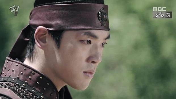 Thánh lừa đảo Kim Jung Hyun của Crash Landing On You: Từng ăn gạch vì thô lỗ với Seohyun (SNSD), xin rút vai giữa chừng vì bệnh nặng - Ảnh 8.