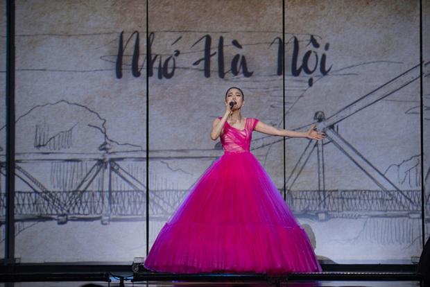 Q Show 2 tại Hà Nội: Lệ Quyên chứng minh đẳng cấp với dạ tiệc âm nhạc hoành tráng và đầy cảm xúc - Ảnh 3.