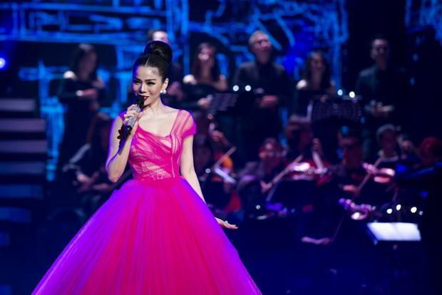 Q Show 2 tại Hà Nội: Lệ Quyên chứng minh đẳng cấp với dạ tiệc âm nhạc hoành tráng và đầy cảm xúc - Ảnh 5.