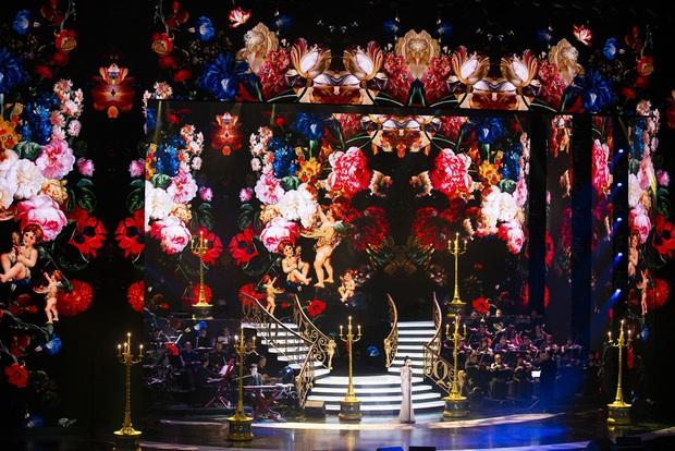 Q Show 2 tại Hà Nội: Lệ Quyên chứng minh đẳng cấp với dạ tiệc âm nhạc hoành tráng và đầy cảm xúc - Ảnh 9.