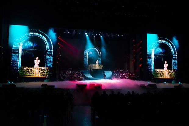 Q Show 2 tại Hà Nội: Lệ Quyên chứng minh đẳng cấp với dạ tiệc âm nhạc hoành tráng và đầy cảm xúc - Ảnh 12.