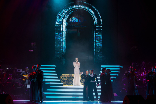 Q Show 2 tại Hà Nội: Lệ Quyên chứng minh đẳng cấp với dạ tiệc âm nhạc hoành tráng và đầy cảm xúc - Ảnh 11.