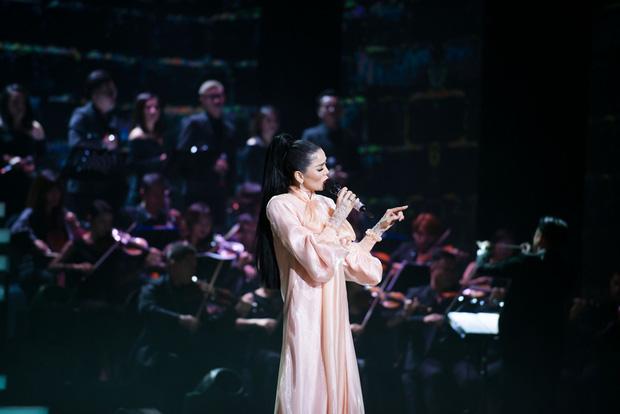 Q Show 2 tại Hà Nội: Lệ Quyên chứng minh đẳng cấp với dạ tiệc âm nhạc hoành tráng và đầy cảm xúc - Ảnh 13.