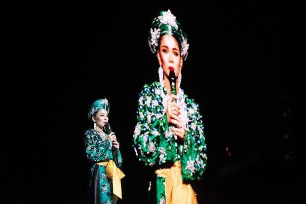 Q Show 2 tại Hà Nội: Lệ Quyên chứng minh đẳng cấp với dạ tiệc âm nhạc hoành tráng và đầy cảm xúc - Ảnh 21.
