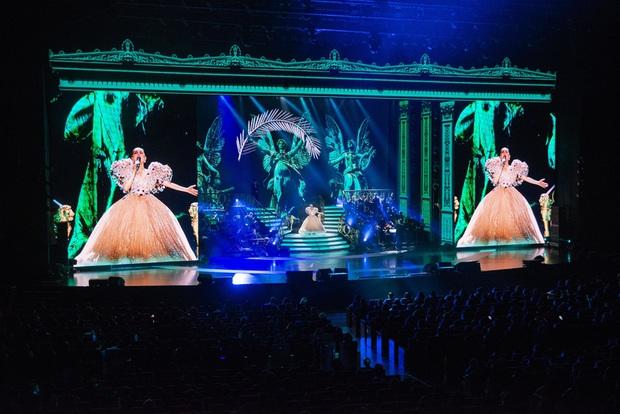 Q Show 2 tại Hà Nội: Lệ Quyên chứng minh đẳng cấp với dạ tiệc âm nhạc hoành tráng và đầy cảm xúc - Ảnh 22.