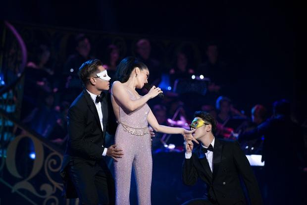 Q Show 2 tại Hà Nội: Lệ Quyên chứng minh đẳng cấp với dạ tiệc âm nhạc hoành tráng và đầy cảm xúc - Ảnh 26.