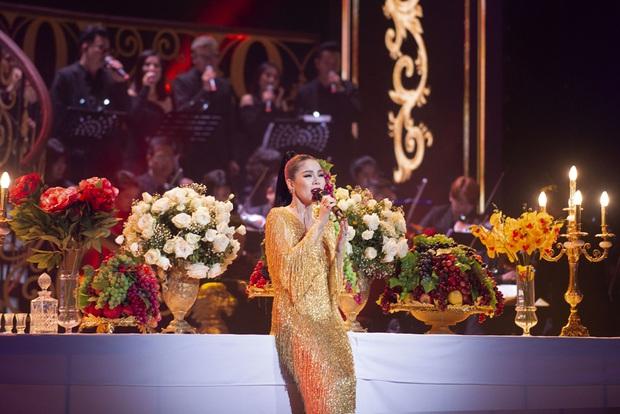 Q Show 2 tại Hà Nội: Lệ Quyên chứng minh đẳng cấp với dạ tiệc âm nhạc hoành tráng và đầy cảm xúc - Ảnh 28.