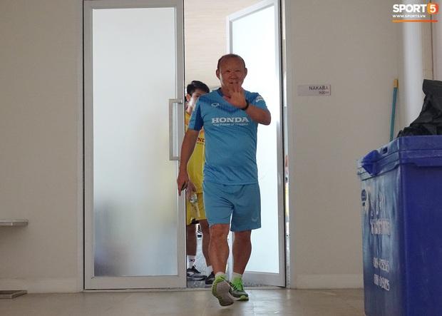 HLV Park Hang-seo lo sợ cả nước hồ bơi gây hại cho cầu thủ trước thềm VCK U23 châu Á 2020 - Ảnh 3.