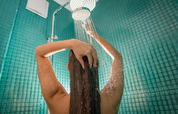 Trong kỳ kinh nguyệt, hội con gái nên nhớ nguyên tắc 2 rửa, 3 không để bảo vệ sức khỏe của mình tốt nhất - Ảnh 2.