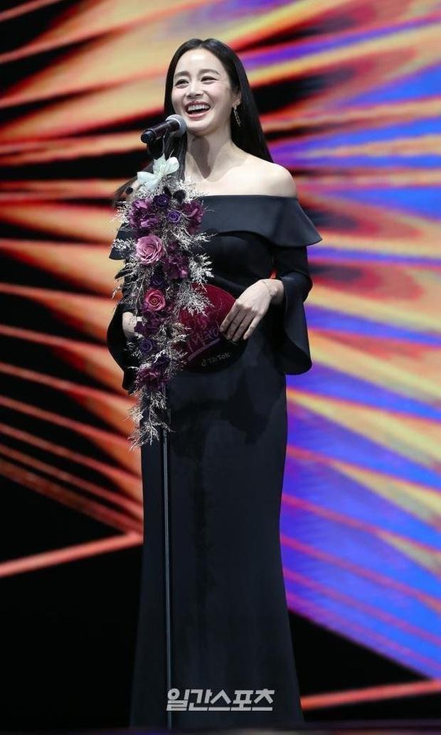 Kim Tae Hee bất ngờ thổ lộ với BTS và Super Junior ngay trên sóng trực tiếp Grammy Hàn - Ảnh 4.