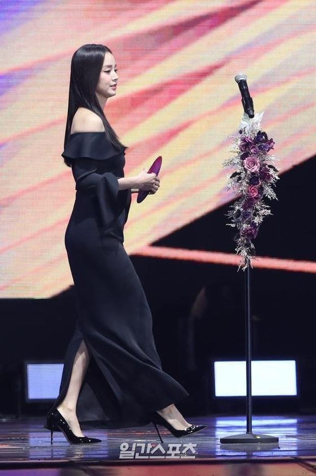 Kim Tae Hee bất ngờ thổ lộ với BTS và Super Junior ngay trên sóng trực tiếp Grammy Hàn - Ảnh 1.