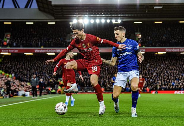 Hot boy Nhật Bản vừa có màn ra mắt Liverpool: Không những đá bóng giỏi mà còn làm bá chủ gameshow truyền hình, nắm giữ 2 kỷ lục hiện tại vẫn chưa lật đổ - Ảnh 6.