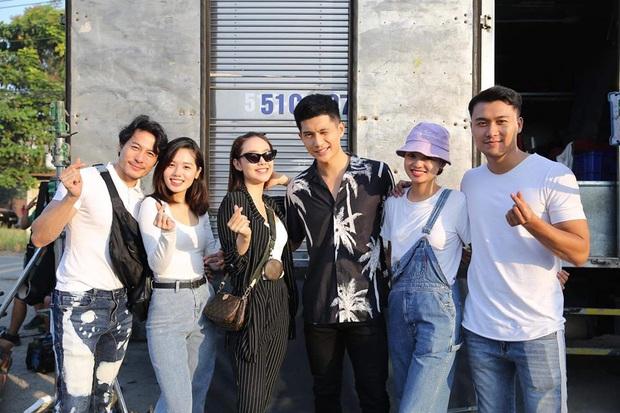 The Face Vietnam 2018 đầu năm mới: Team Võ Hoàng Yến chụp hình ướt át, Minh Hằng rủ học trò đóng phim - Ảnh 4.