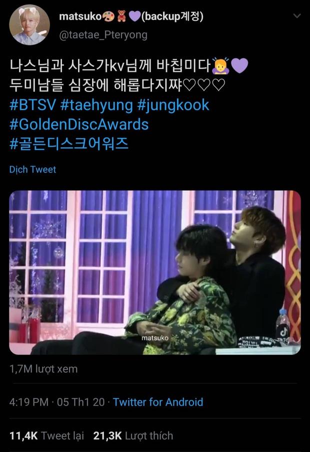 """Khoảnh khắc gây sốt tại Grammy Hàn Quốc: Jungkook và V (BTS) làm gì ngay giữa """"thanh thiên bạch nhật"""" thế này? - Ảnh 6."""