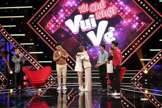 Việt Hương tiết lộ quá khứ từng hát vũ trường khi mới 15 tuổi - Ảnh 8.