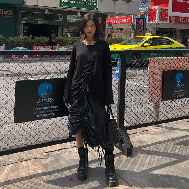 Street style hot girl Việt đầu năm mới: Cá tính sang chảnh đủ cả, ngắm qua là biết lễ Tết nên sắm váy áo thế nào là chuẩn - Ảnh 9.