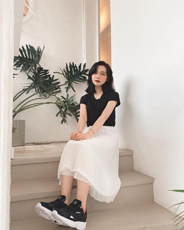 Street style hot girl Việt đầu năm mới: Cá tính sang chảnh đủ cả, ngắm qua là biết lễ Tết nên sắm váy áo thế nào là chuẩn - Ảnh 13.