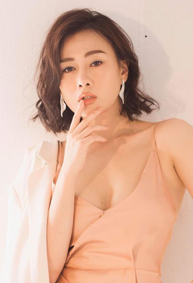 Phương Oanh: Từ gái ngành mê phẫu thuật thẩm mỹ đến Cô Gái Nhà Người Ta hiền thục nết na - Ảnh 4.