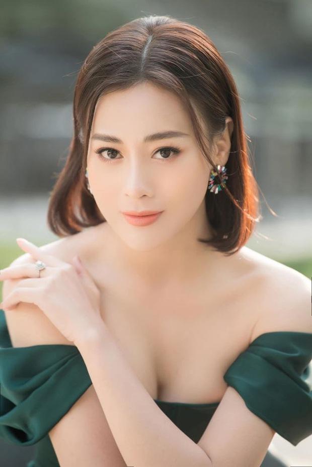 Phương Oanh: Từ gái ngành mê phẫu thuật thẩm mỹ đến Cô Gái Nhà Người Ta hiền thục nết na - Ảnh 5.