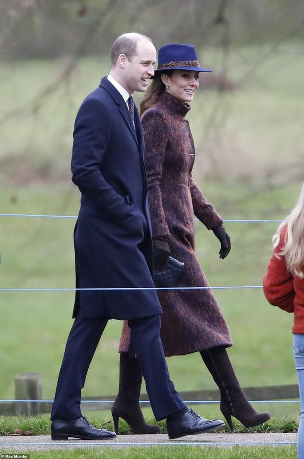 Biết là Công nương Kate mặc đẹp nhưng đến độ chất như fashionista thế này thì mới đáng trầm trồ - Ảnh 1.