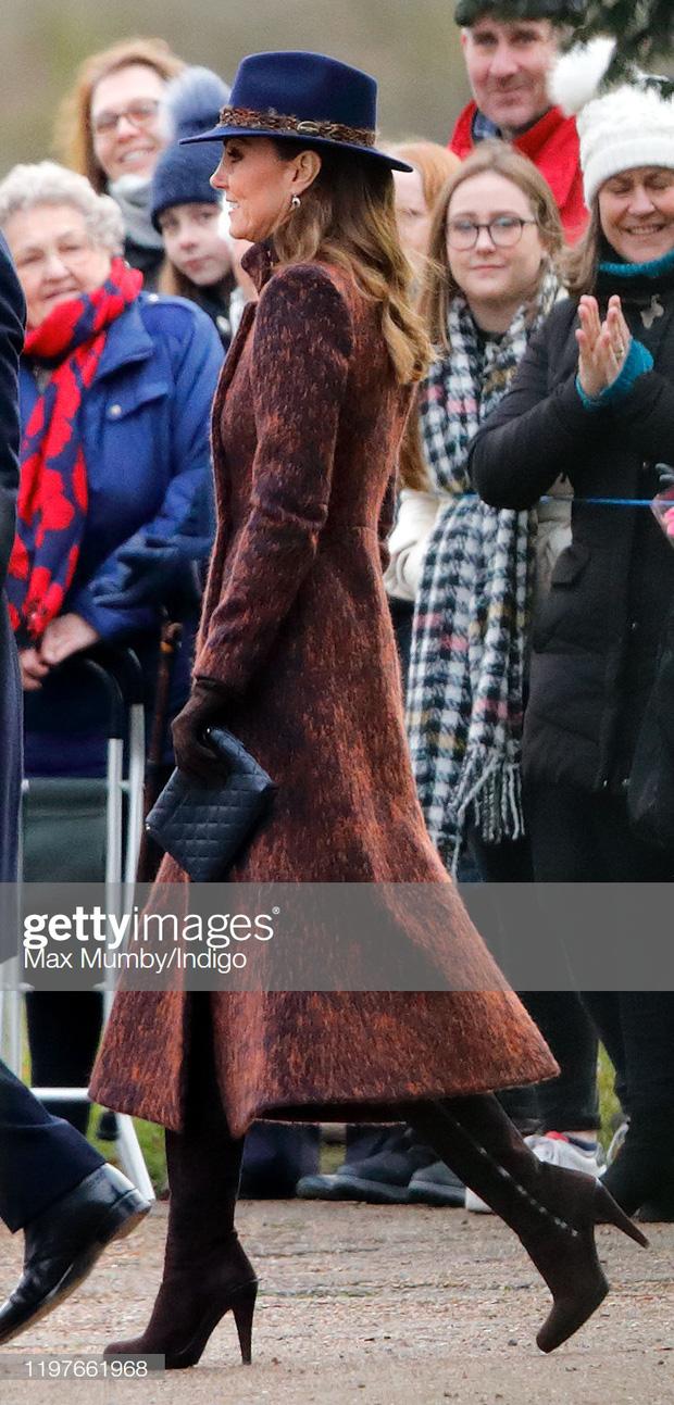Biết là Công nương Kate mặc đẹp nhưng đến độ chất như fashionista thế này thì mới đáng trầm trồ - Ảnh 2.