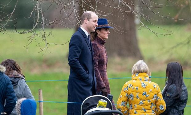Biết là Công nương Kate mặc đẹp nhưng đến độ chất như fashionista thế này thì mới đáng trầm trồ - Ảnh 3.